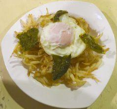 Chanquetes fritos con huevo y pimientos