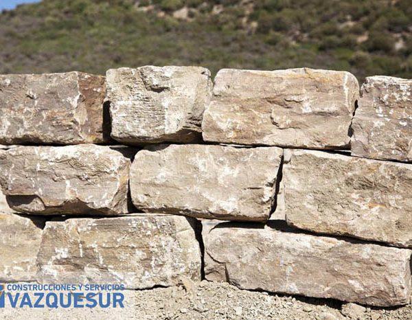Muros de Piedra en Marbella Málaga Costa del Sol