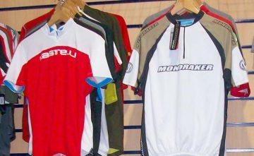 Maillots para ciclismo. Ropa deportiva para ciclistas