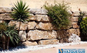 Muros decorativos con piedra en Málaga