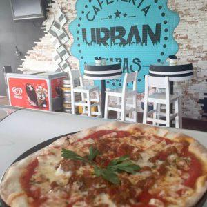 Tapa de Pizza Casera Restaurante en Estepona