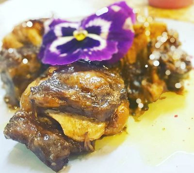Rabo de toro, cocinado de forma tradicional al estilo Cordobés