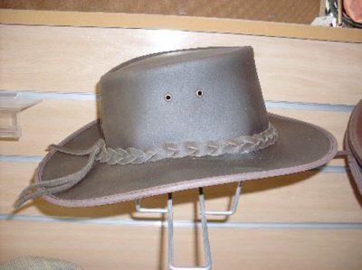 Sombrero Serraje Engrasado-Varas. Artesanía en cuero