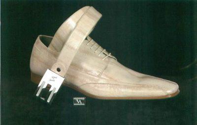 Zapatos y cinturón. Complementos hombre. Moda