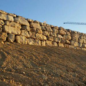 Muros de Piedra de Escollera en Estepona Marbella Málaga Costa del Sol